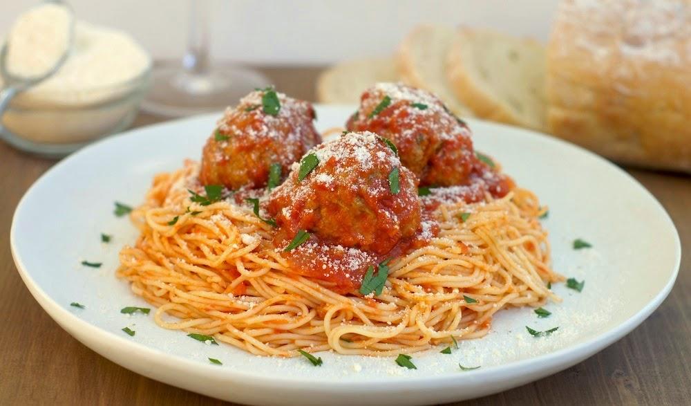 comida italiana , bandera italiana