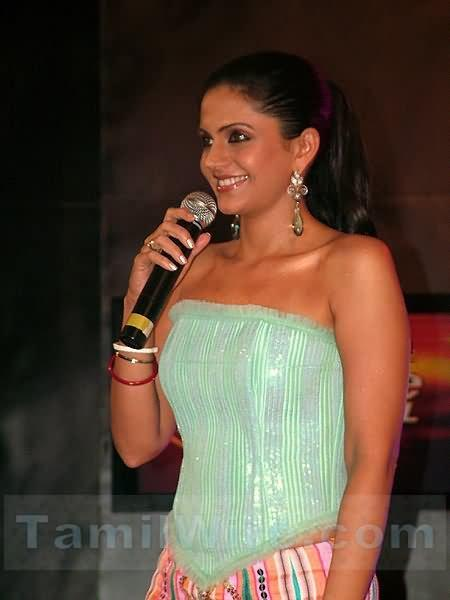 Mandira Bedi Ponytail Hairstyle ideas for women