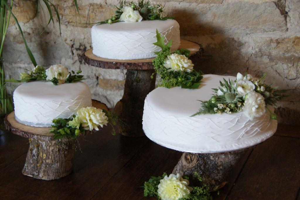 Dave+%26+Catherine%27s+Wedding+-++Cake+07.JPG