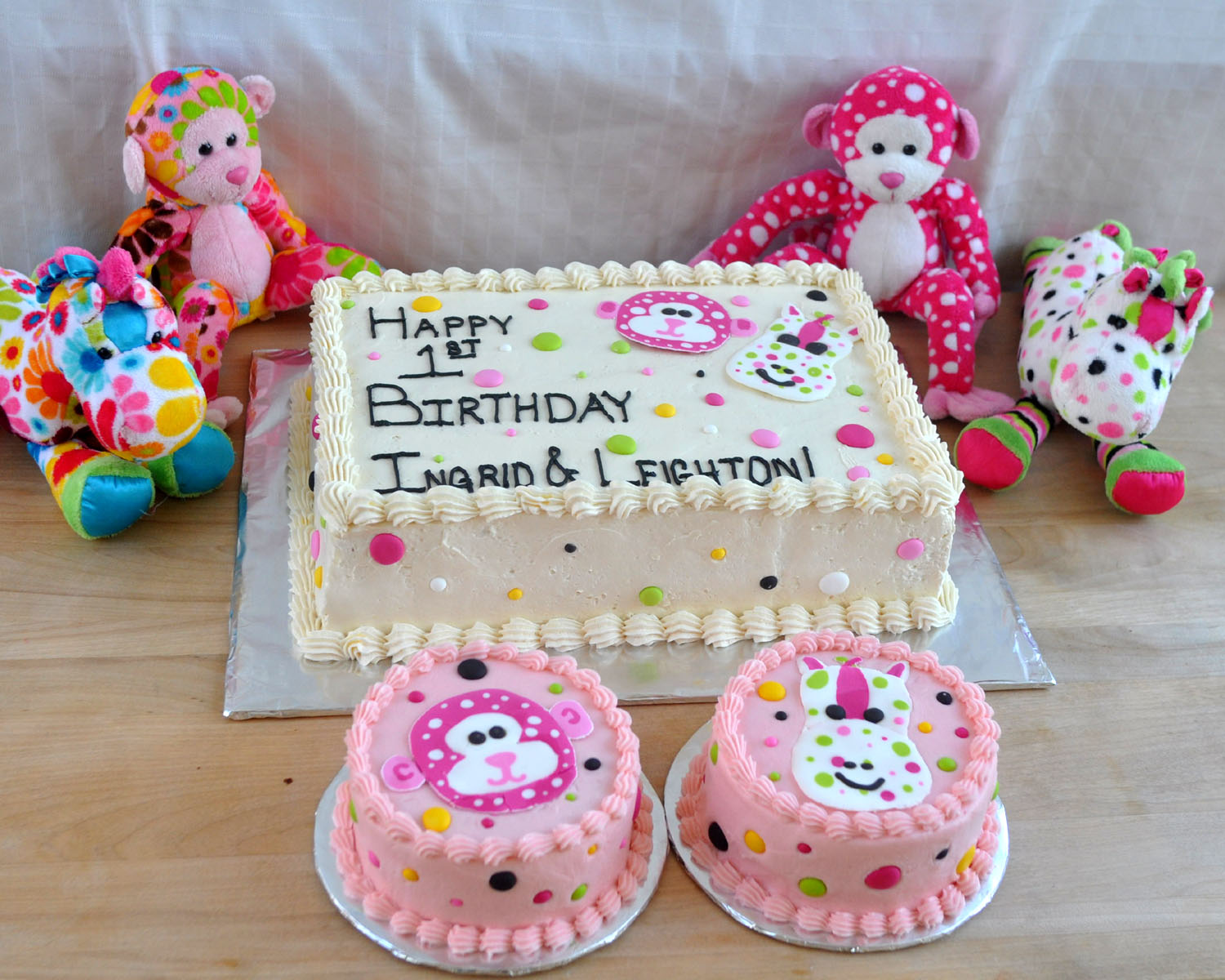 Simple Birthday Cake Decorating Ideas Royal icing cake decorations