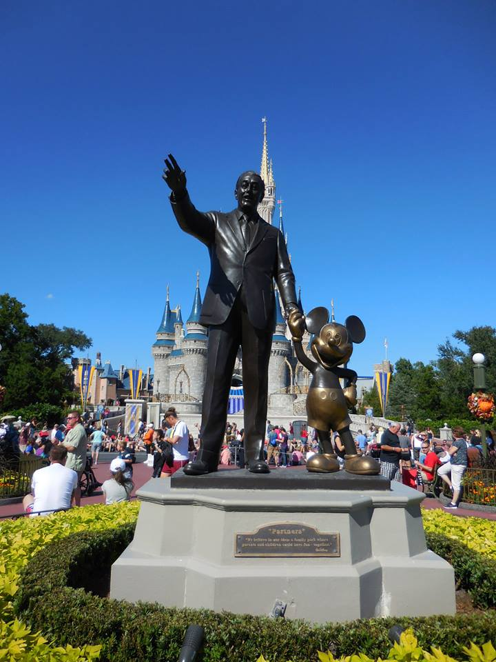 Marvelous Mouse Travels Why Should You Use A Travel Agent