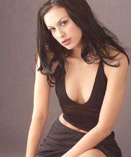 Sophia Latjuba Bugil