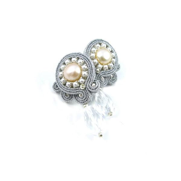 Delikatne sztyfty sutasz z perłami