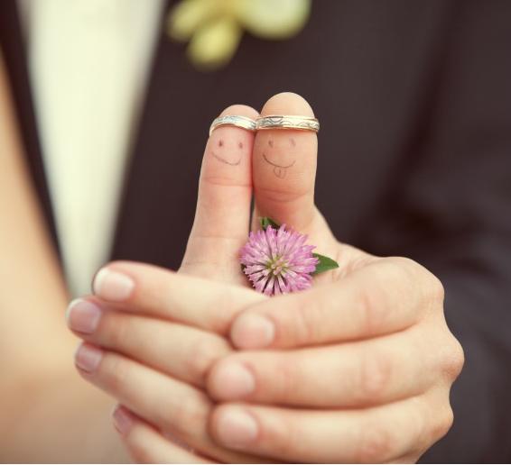 suami dan isteri cincin