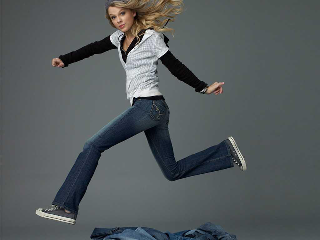 http://1.bp.blogspot.com/-HmSah5MzE7I/T1LXYtCdBEI/AAAAAAAA_pE/KUzKJaFNj1U/s1600/Taylor+Swift+Butt+&+Ass+Pics+12.jpg