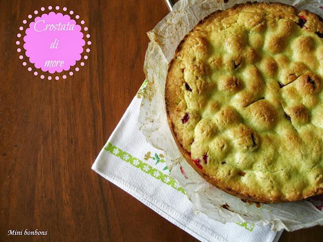 crostata di more... • blackberry pie...