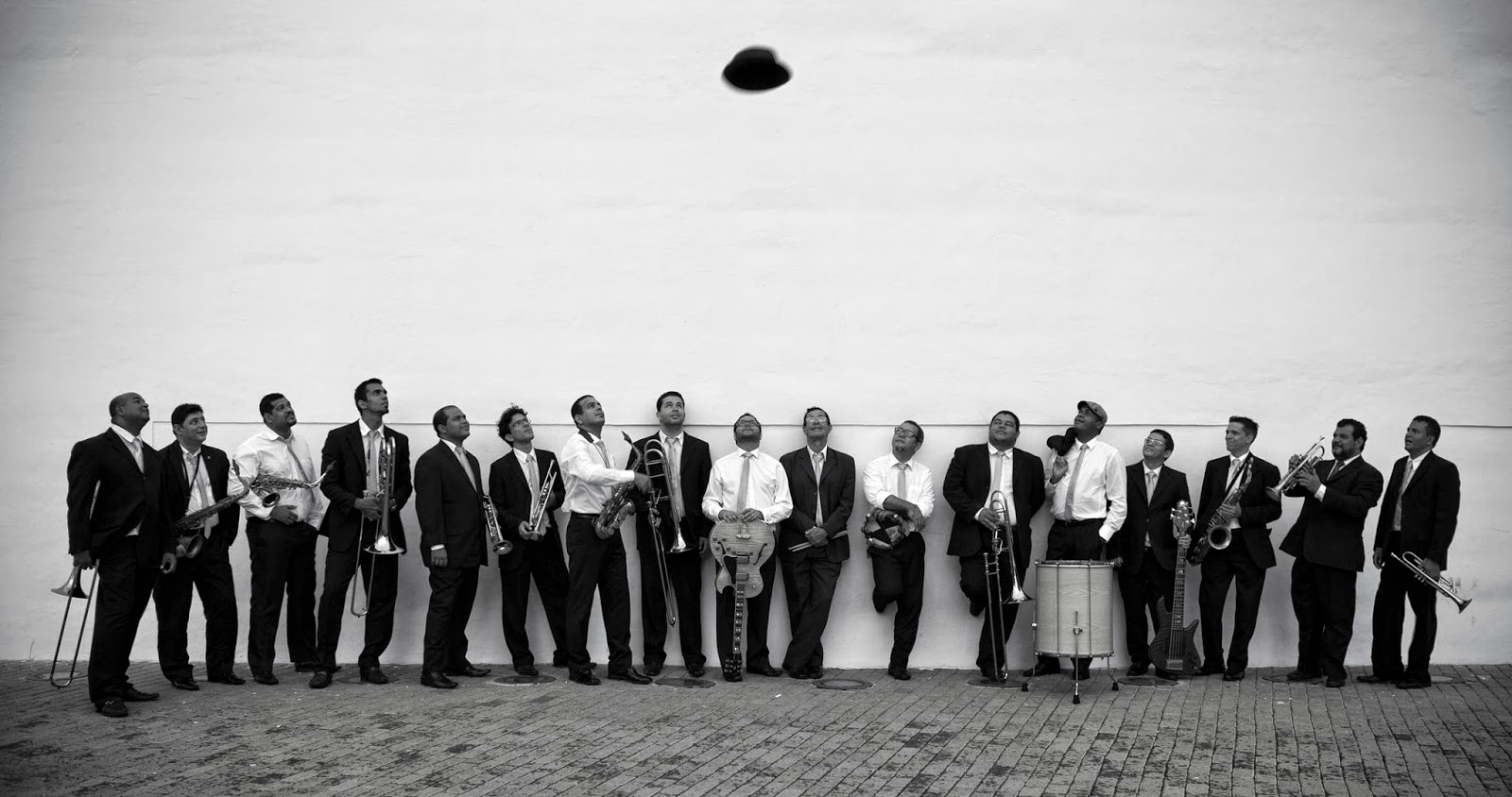 SpokFrevo Orquestra_foto Beto Figueiroa_http://bangalocult.blogspot.com