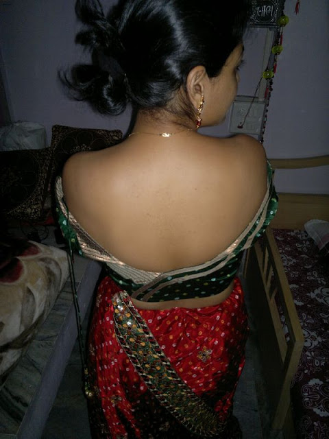 Hot Indian Desi Womens indianudesi.com