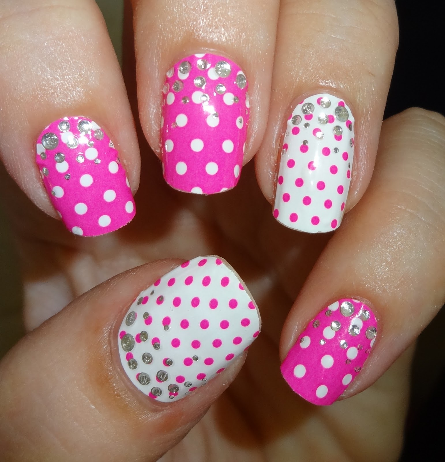 Wendy\'s Delights: Elegant Touch Dotty Hot Pink Envy Nail Wraps