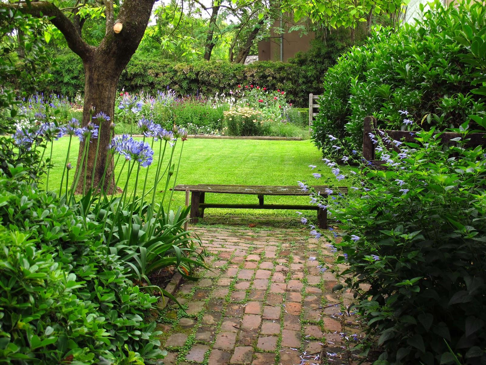 En el jardin el jard n en noviembre for Jardines grandes