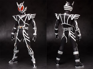 Medicom 1/6 scale RAH Kamen Rider Delta