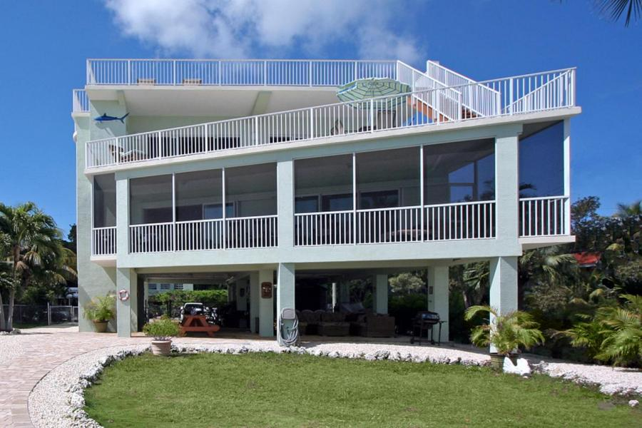 What does a million dollars or so get you in the florida for 100000 dollar house
