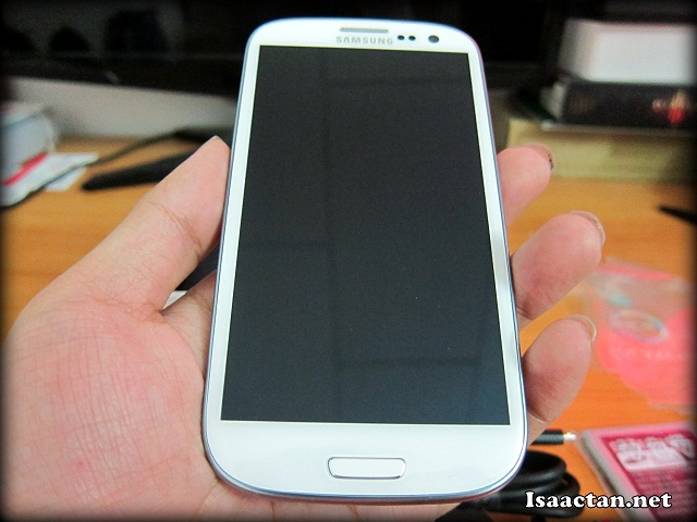 Samsung Galaxy S3 Review - Unboxing
