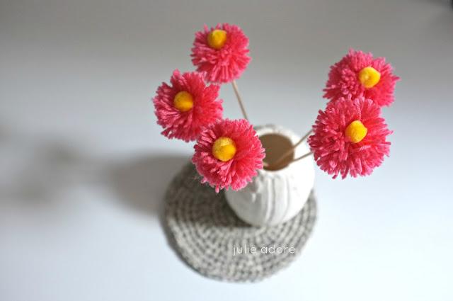 pompons, fleurs, bouquet, fait main, julie adore