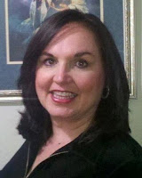 Owner of the book club network, woman with brown hair