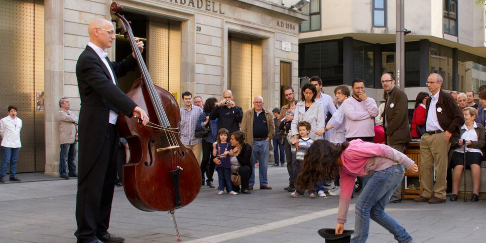 This Street Musician Was Tipped By A Girl. What Happened Next Blew The Whole City Away