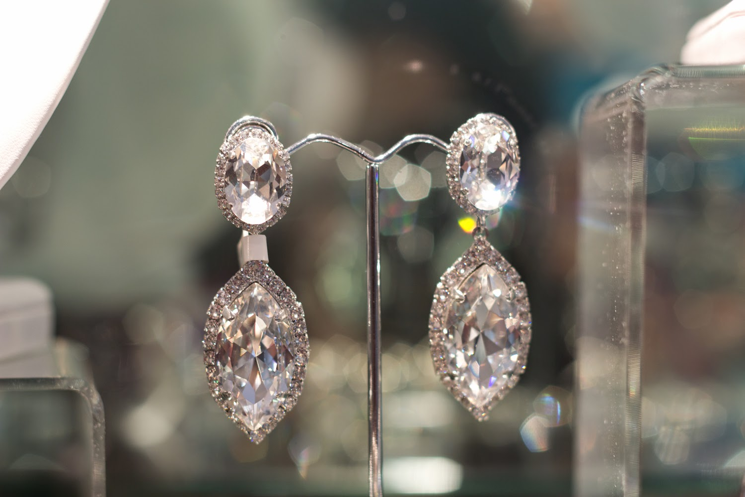artemis-pop-up-jewellery-store-in-yorkville, crystal-earrings, beautiful-collection