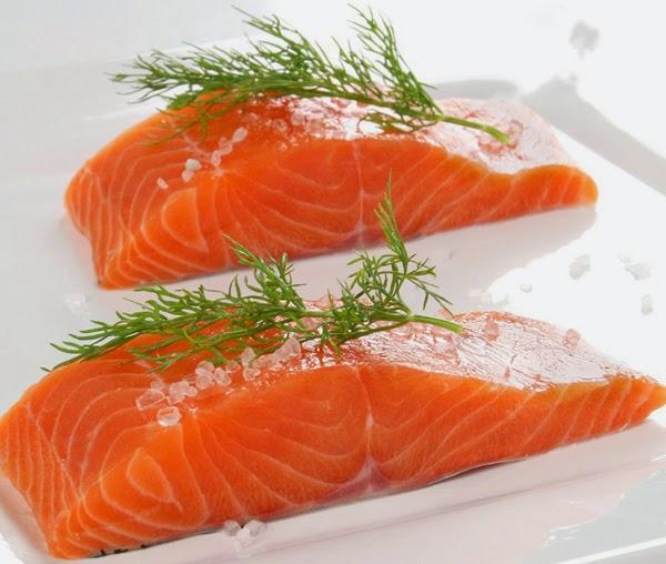 Ăn cá hồi tốt cho người mắc bệnh xương khớp