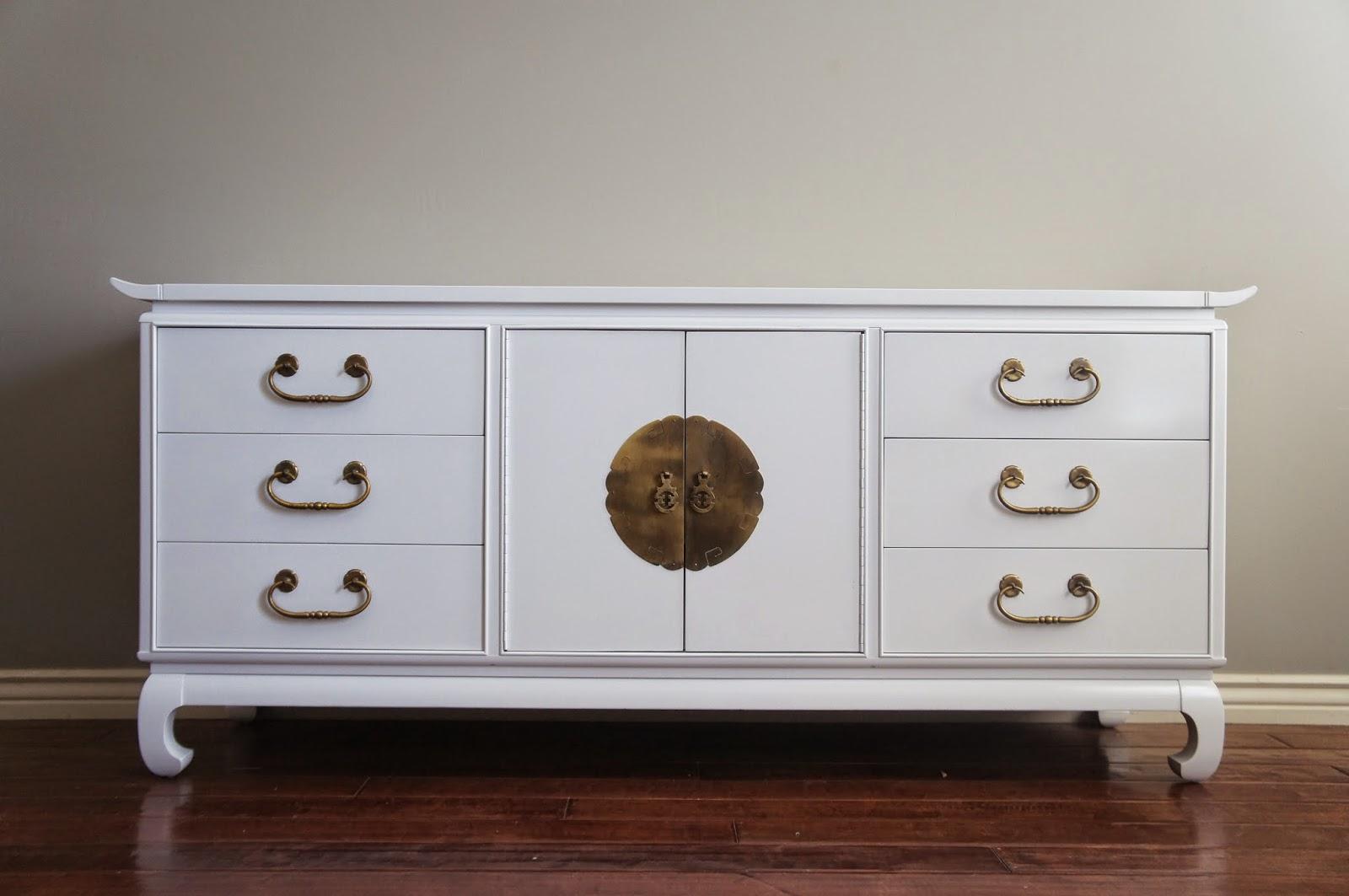 European Paint Finishes Regency Modern High Gloss White Lacquered
