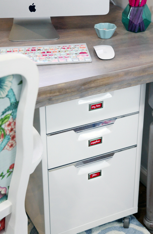 It Is Like I Basically Use My Arm To Swoop My Clutter Right Into The Drawers  Of My Filing Cabinet Tucked Below My Desk.