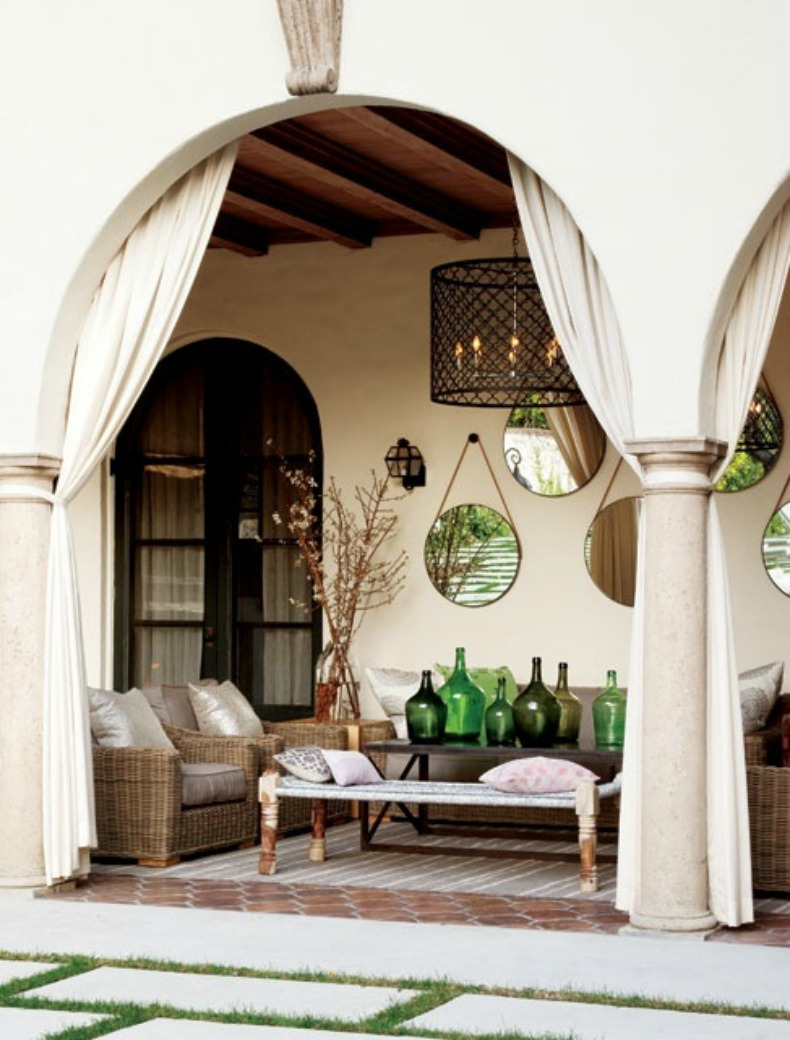 Coastal outdoor space with accessories