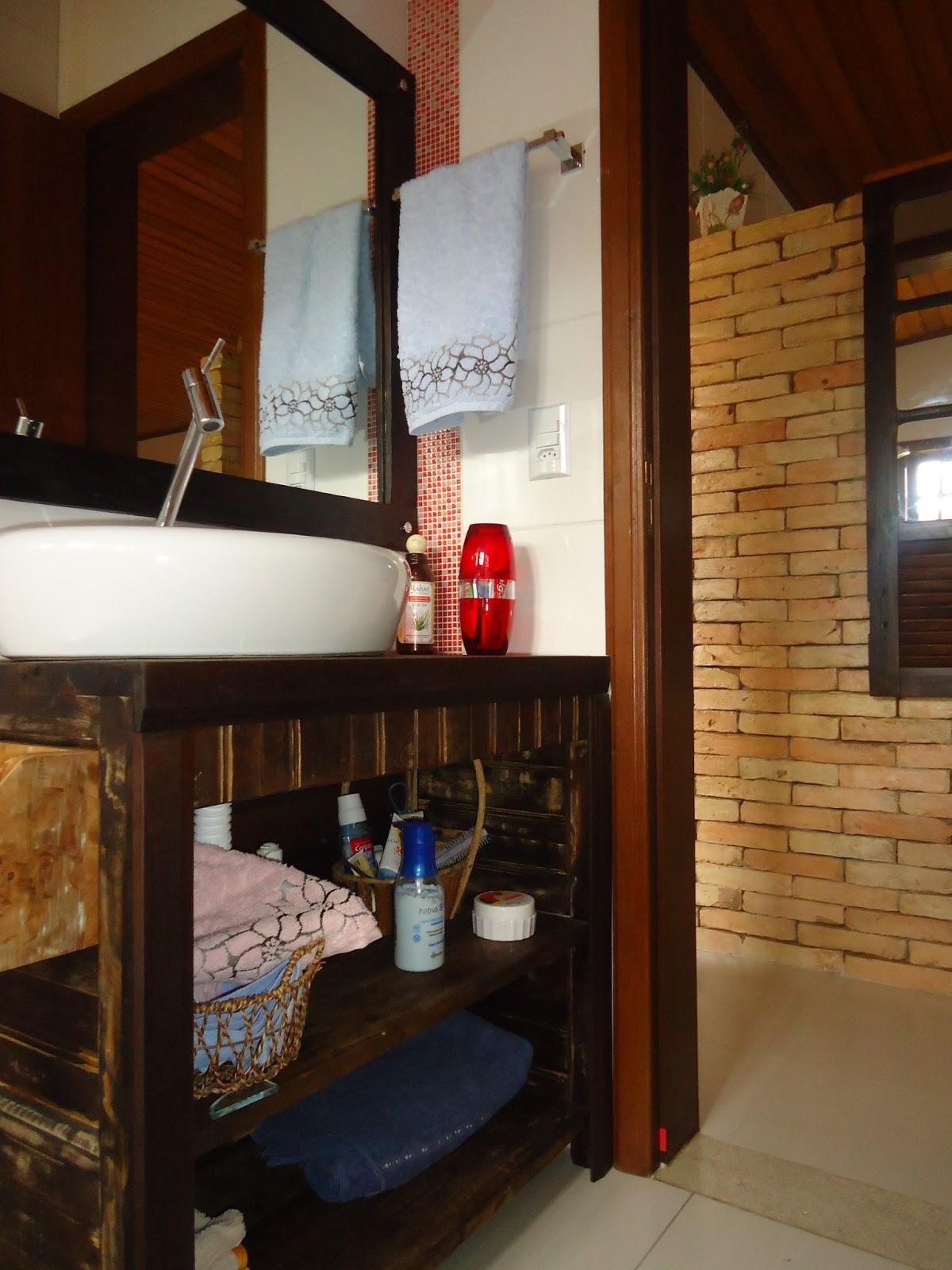 Imagens de #BD0E11 Talentos Móveis Rústicos: BANCADA DE BANHEIRO COM ESPELHO 1200x1600 px 3670 Banheiros Rusticos Imagens
