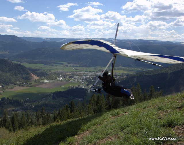 Hang Gliding Around Lumby BC Canada
