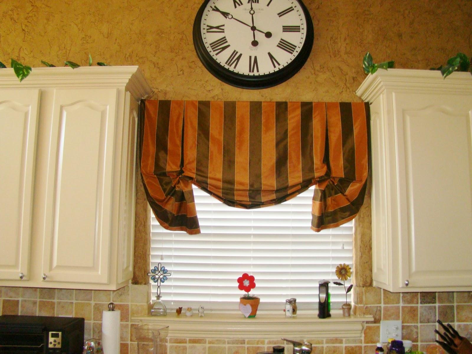 Avenue window fashions custom window treatments in for Window fashions of texas