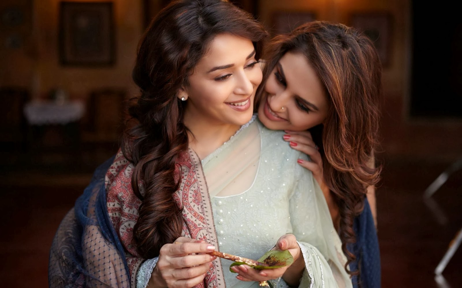 Madhuri Dixit, Nene, Dedh Ishqiya, Release, 2014, Movie, Film, Huma Qureshi, Arshad Warsi, Naseeruddin Shah, Role, Trailer, Bollywood, Showbiz, Entertainment,