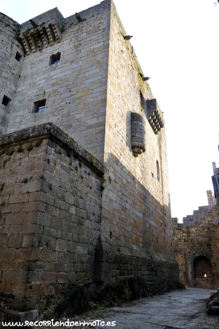 Patio del castillo de Puebla de Sanabria