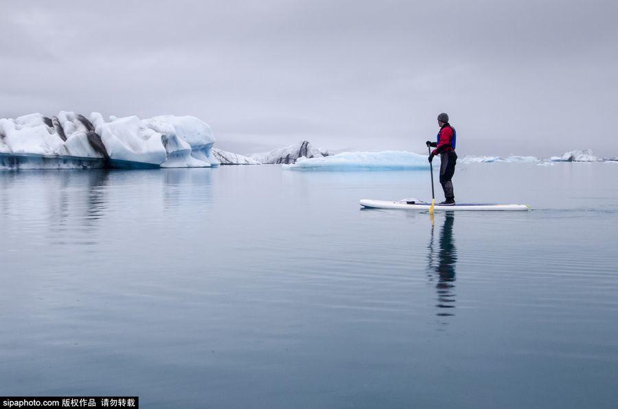 US Kenai Fjords Park: uncut stunning glacier