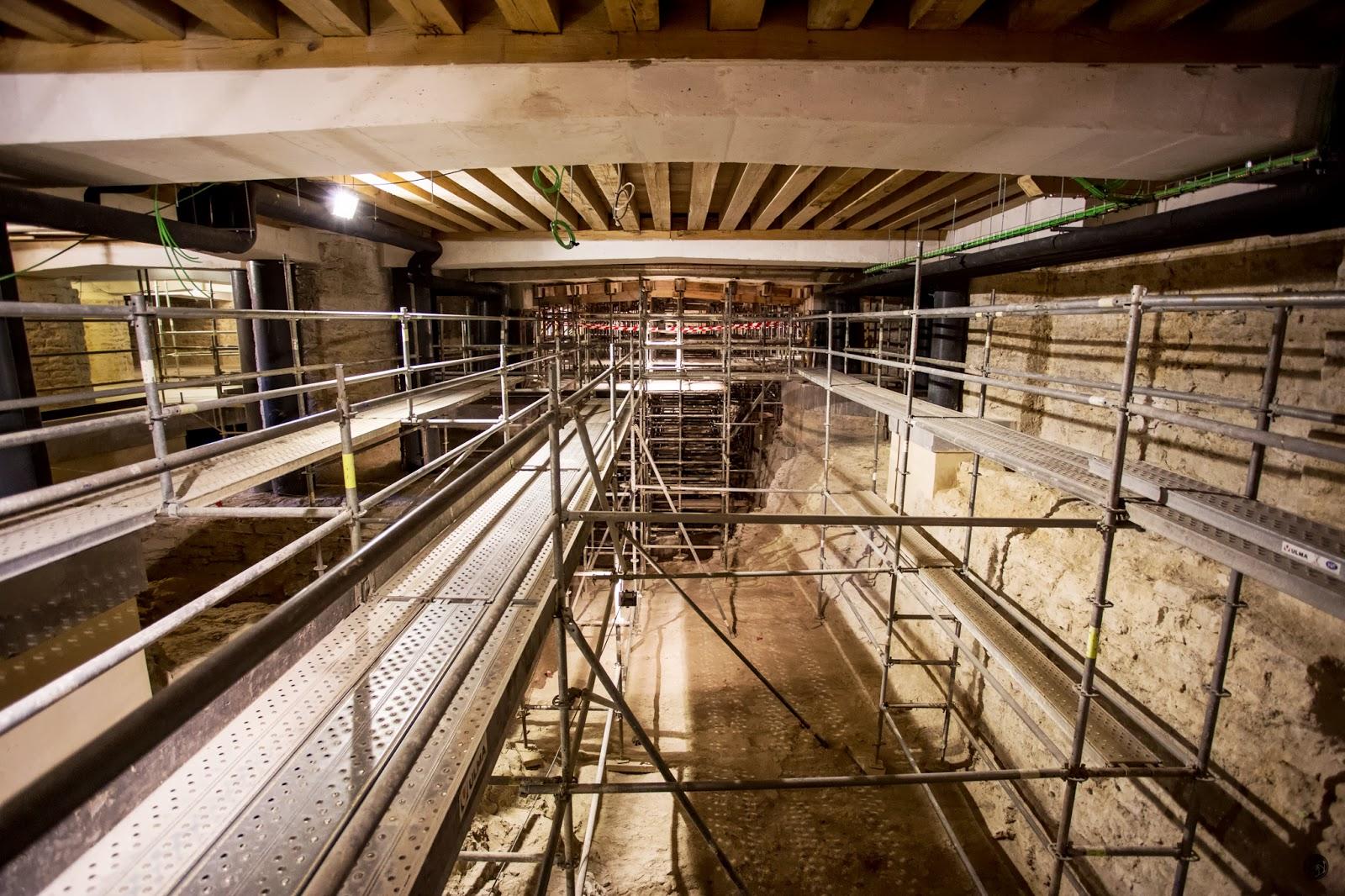 Subterráneo en proceso de acondicionado :: Canon EOS 5D MkIII | ISO3200 | Canon 17-40 @17mm | f/4.0 | 1/20s