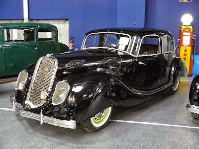 Découvrez l'Auto ...  - Page 21 Panhard+X77+Dynamic+Berline+de+1937