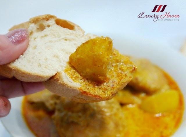 yummy prima taste authentic singapore curry potato bread