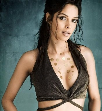 Hot Mallika Sherawat -boob-show-black-dress