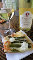 2012 Reif Sauvignon Blanc paired with Ruth Anne's Grilled Asparagus and Goat Cheese Pizza