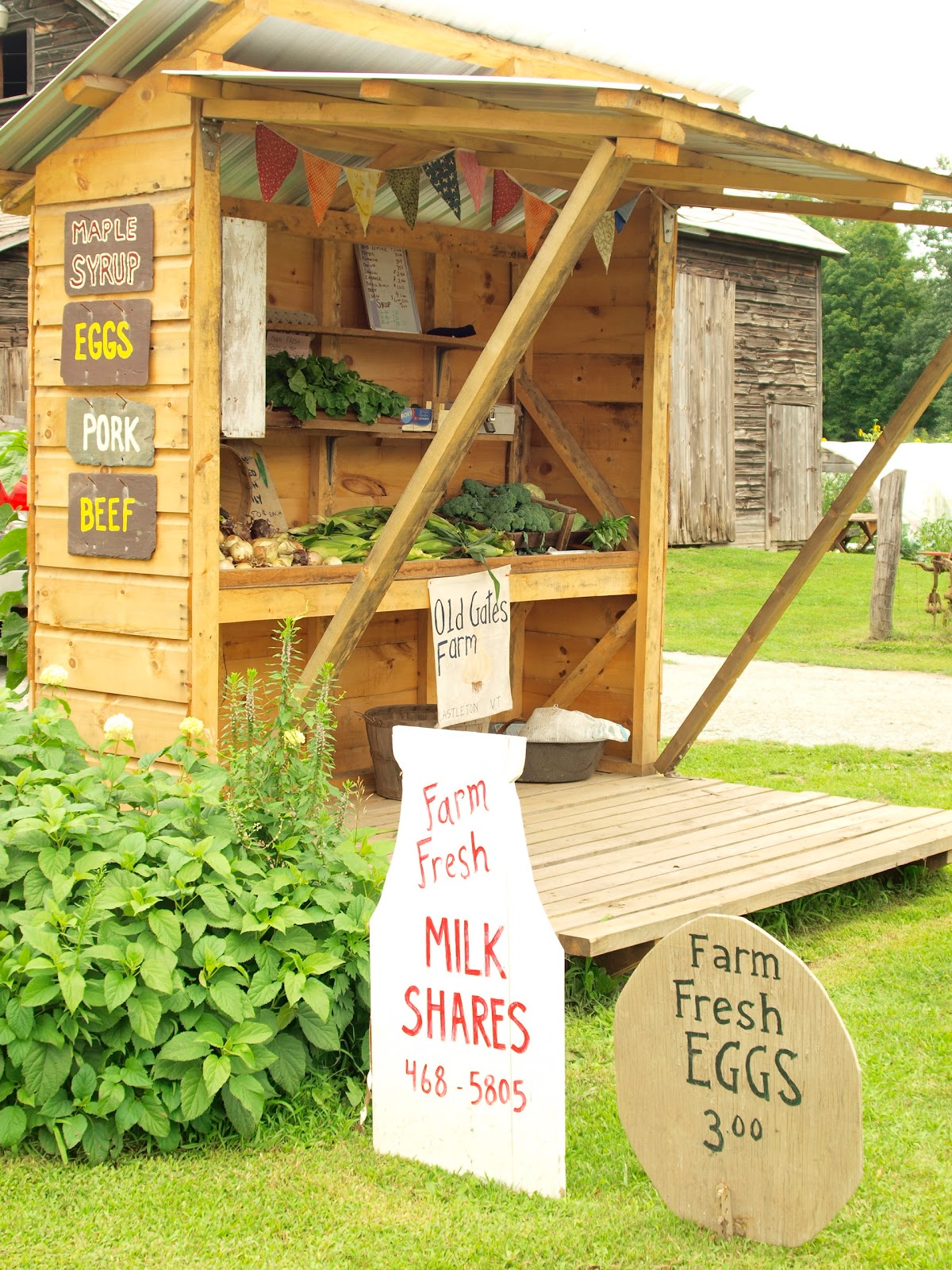 Roadside Stand Designs : Small farm stand bees pinterest
