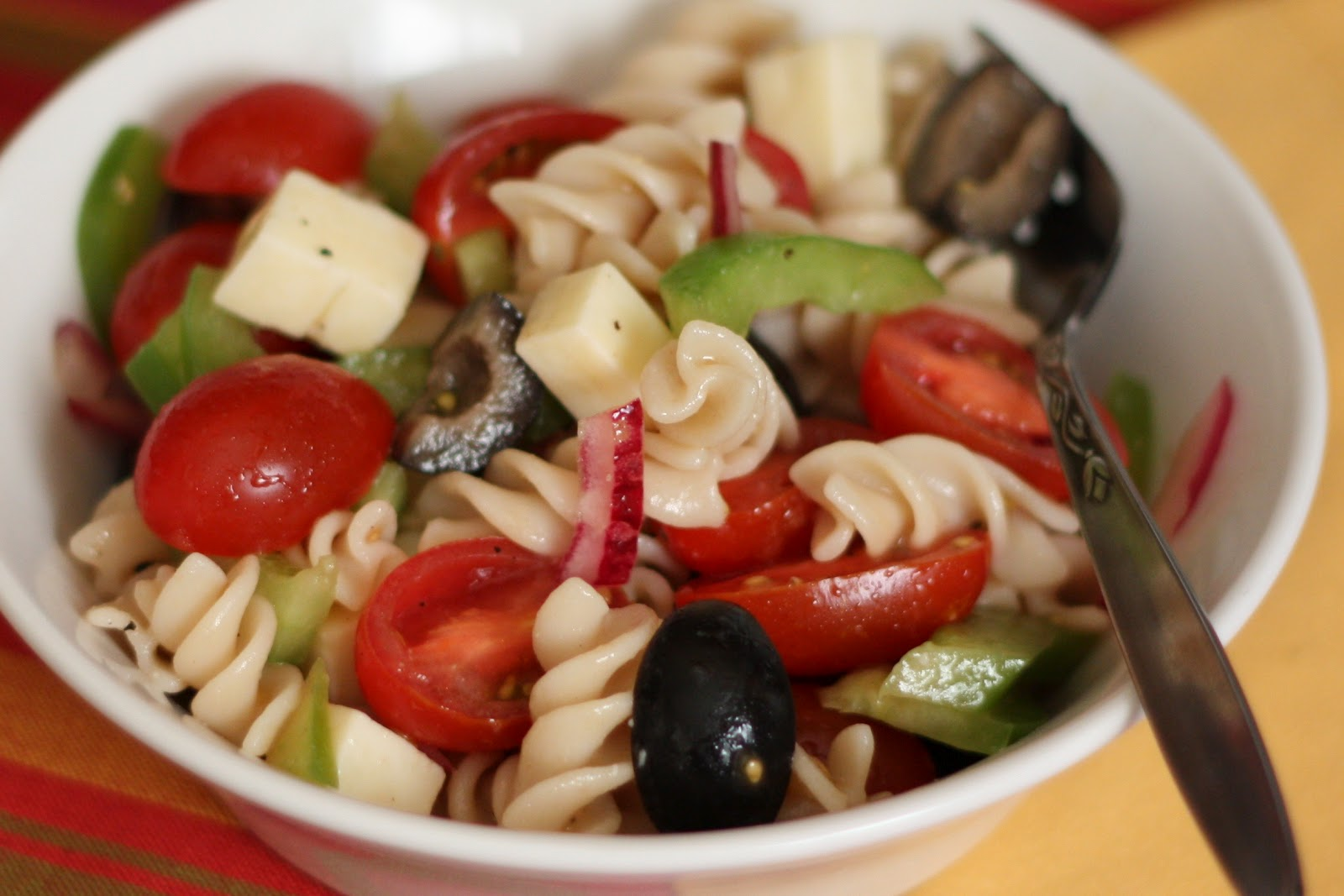 ... In The Kitchen: Tangy Pasta Salad with Tomatoes, Peppers and Olives