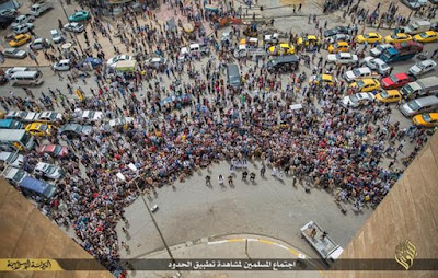 Sick crowd gathered to watch ISIS murder three gay men
