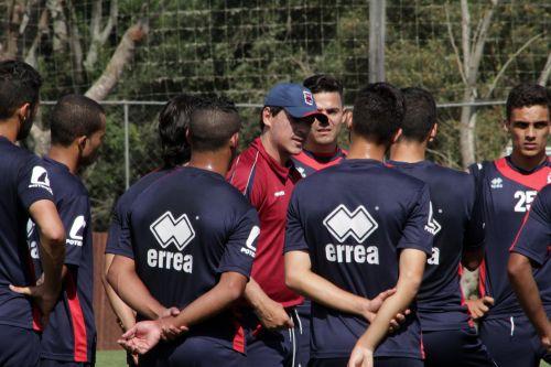 Fernano Diniz comanda o Paraná que tenta uma vitória para se afastar da zona de rebaixamento (Foto: Paraná Clube/Divulgação)