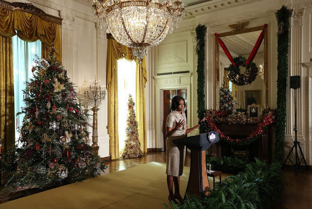 Pix grove christmas decorations in white house