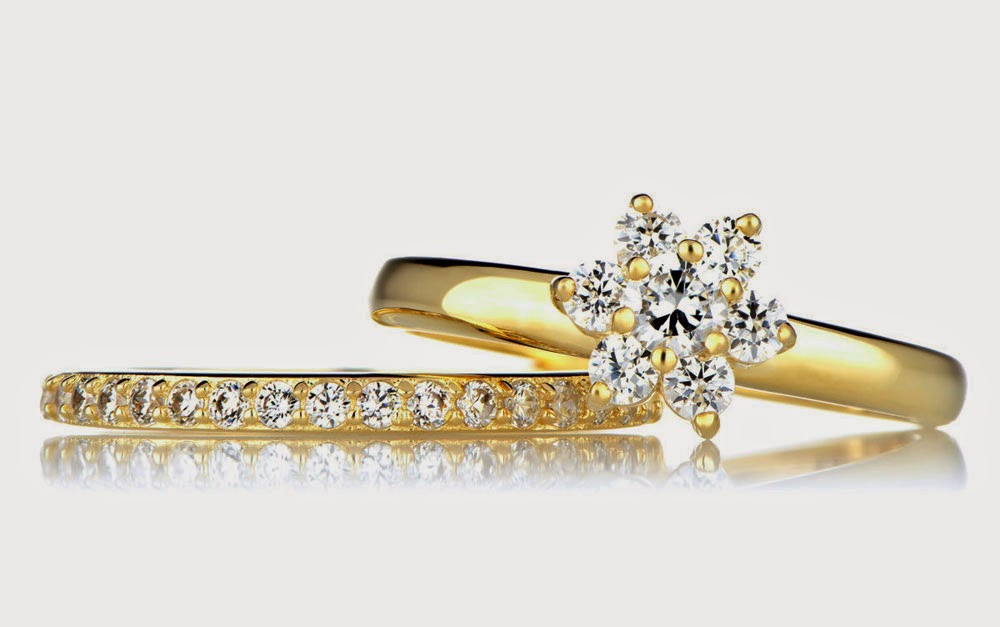 Rose Shaped Diamond Wedding Ring Sets Yellow Gold Model