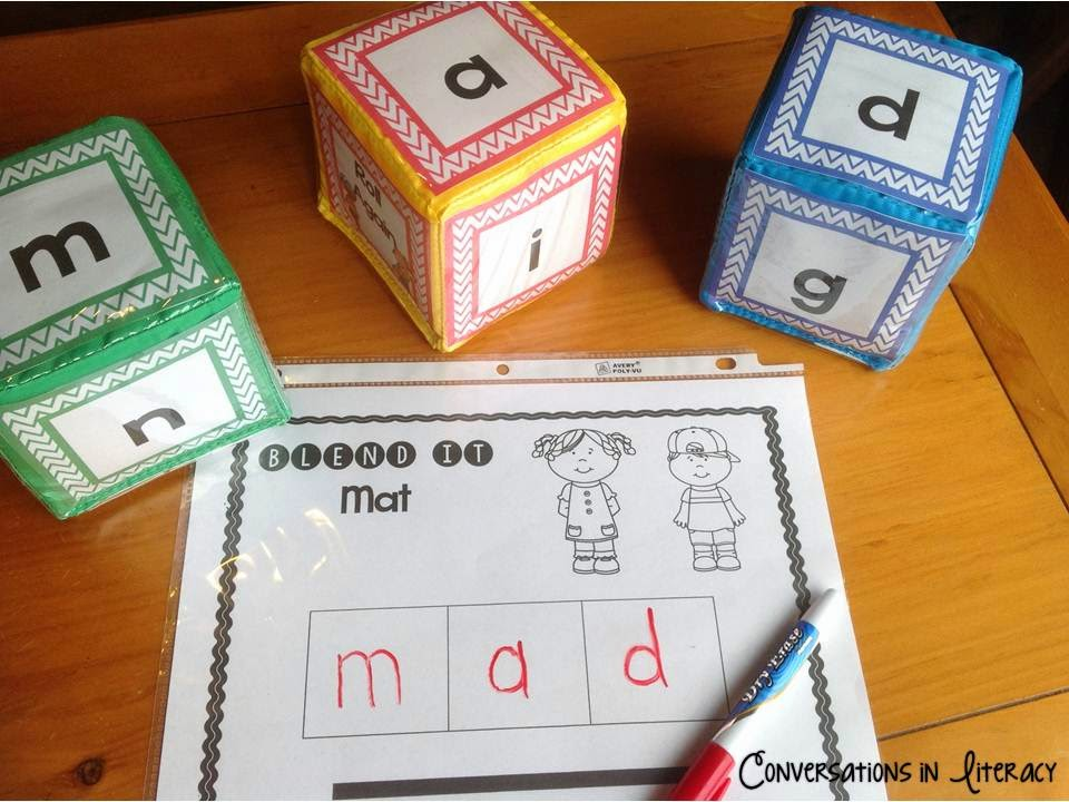 Short Vowel Roll It Cubes