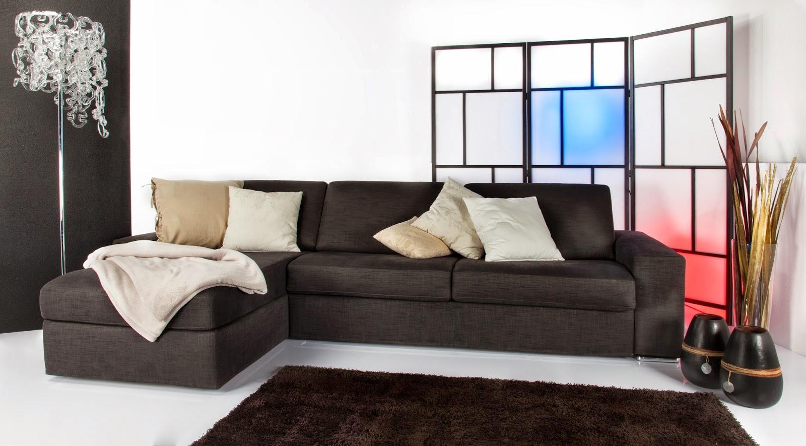 Divano Pelle Grigio Scuro ~ Idee per il design della casa