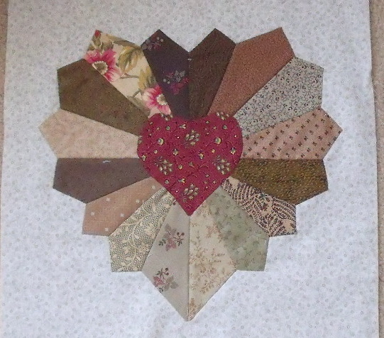 Free Heart Quilt Block Patterns : Free Heart Quilt Pattern Patterns Gallery