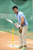 Ram Charan Tej Cricket Practice photos Stills gallery-thumbnail-8