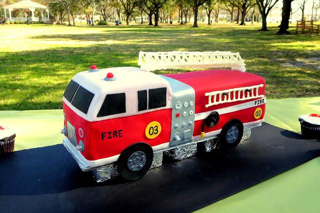 3D Fire Truck Cake 2