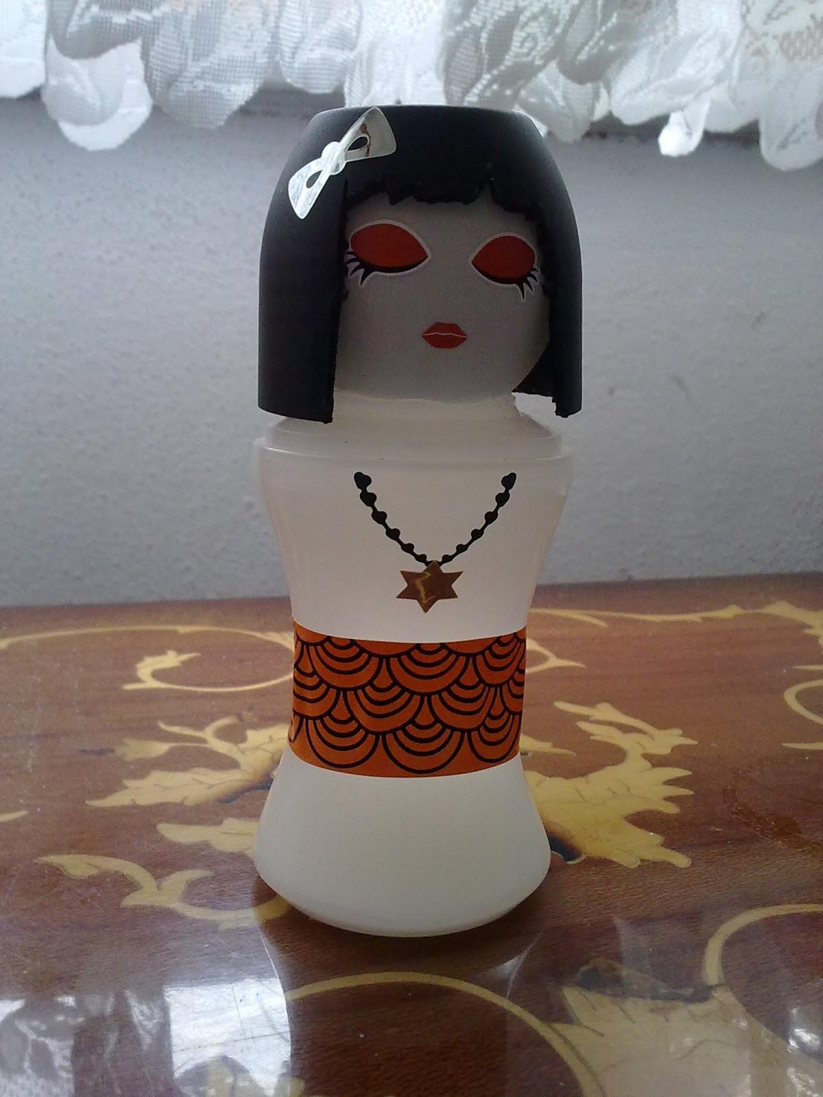 -http://1.bp.blogspot.com/-HtW-wrvhto8/USTIeF8-JtI/AAAAAAAAAdY/mbXTITUwyHo/s1600/kokeshi+bebekleri.jpg