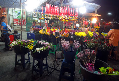 Market at Ao Luk