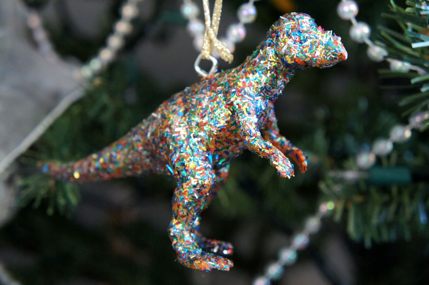 i d l e w i f e diy modcloth inspired dinosaur ornaments - Dinosaur Christmas Decorations